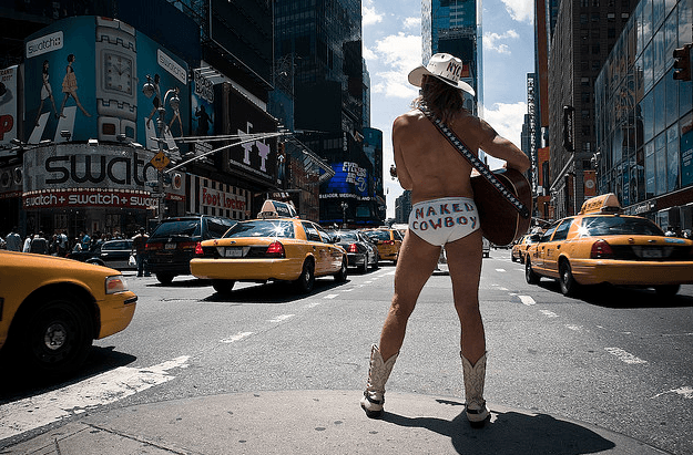 5_choses_a_faire_sur_Times_Square_NYMA_New_york_naked_cowboy