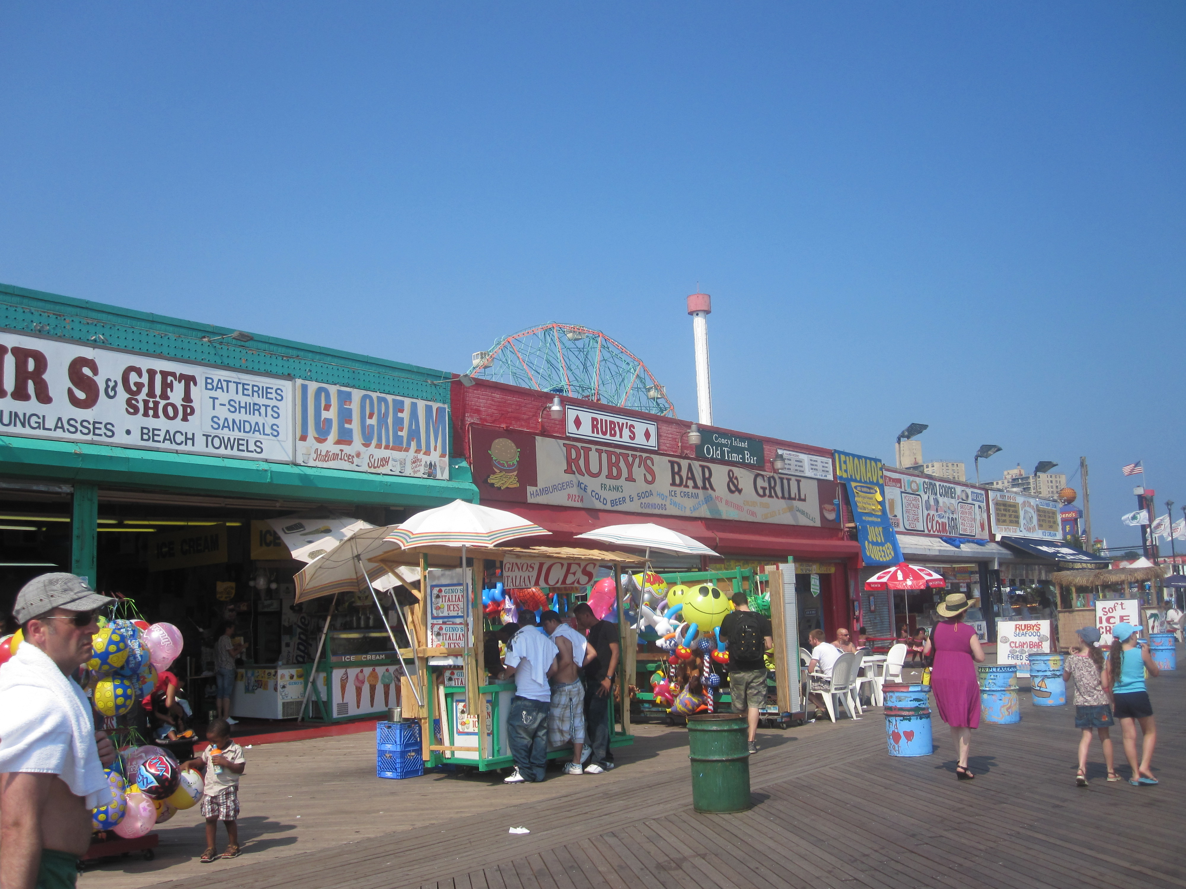 Coney_Island_snack_shops_IMG_1772