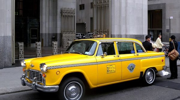 taxi jaune new york son histoire de 1897 nos jours. Black Bedroom Furniture Sets. Home Design Ideas